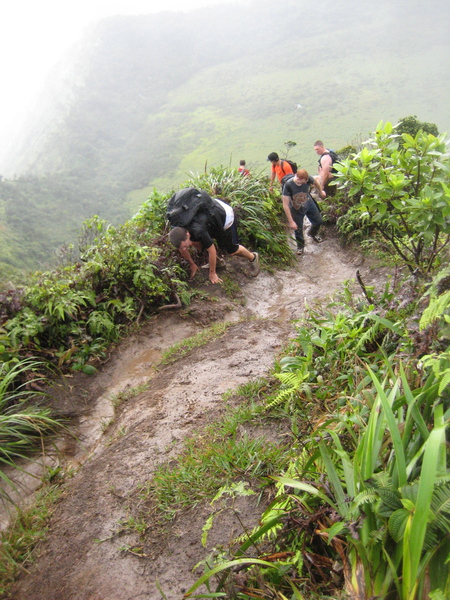 Climbing up the ridge is a dangerous undertaking. Not that the entire hike doesn't have an element of danger, but falling here can mean serious injury or death. Do NOT do this hike alone, and not as a first one on the island.